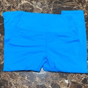 Blue Buffbunny cropped leggings XL